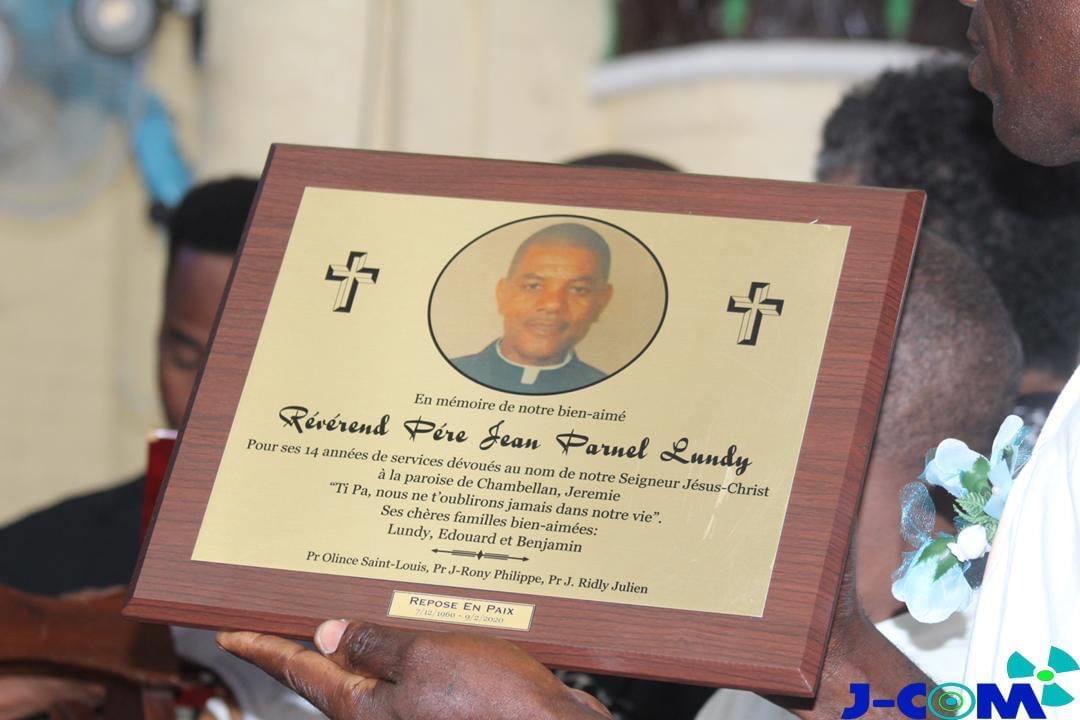 Le révérend père Jean Parnel Lundy est mort