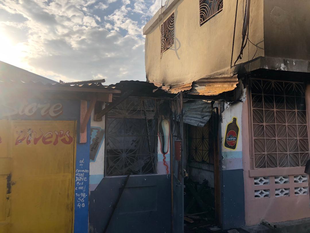 Trois maisons brûlées dans un incendie à Jérémie