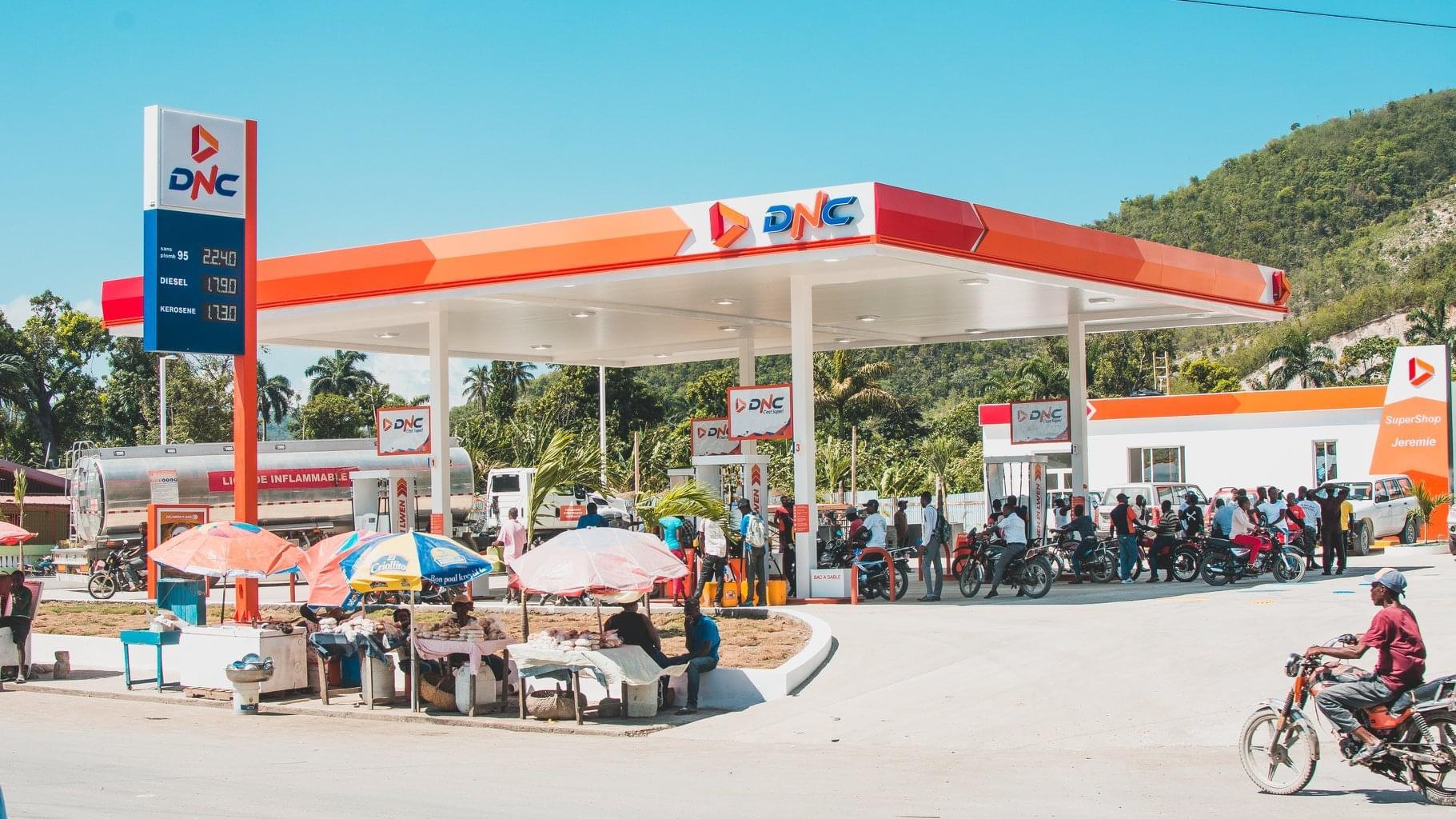 Vers un ajustement à la baisse du prix du carburant, annonce le président haïtien