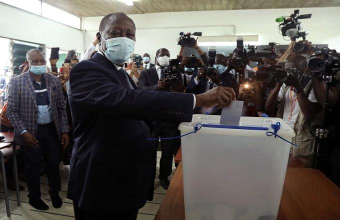 Côte d'Ivoire: le président Alassane Ouattara réélu pour un troisième mandat avec 94,27% des voix