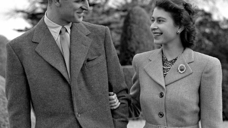 Elisabeth II et Philip célèbrent 73 ans de mariage