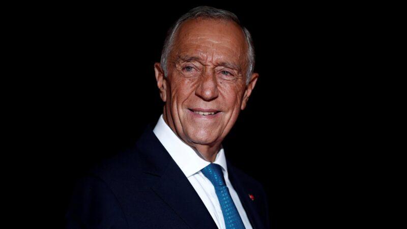 Le président portugais Marcelo Rebelo de Sousa réélu au premier tour